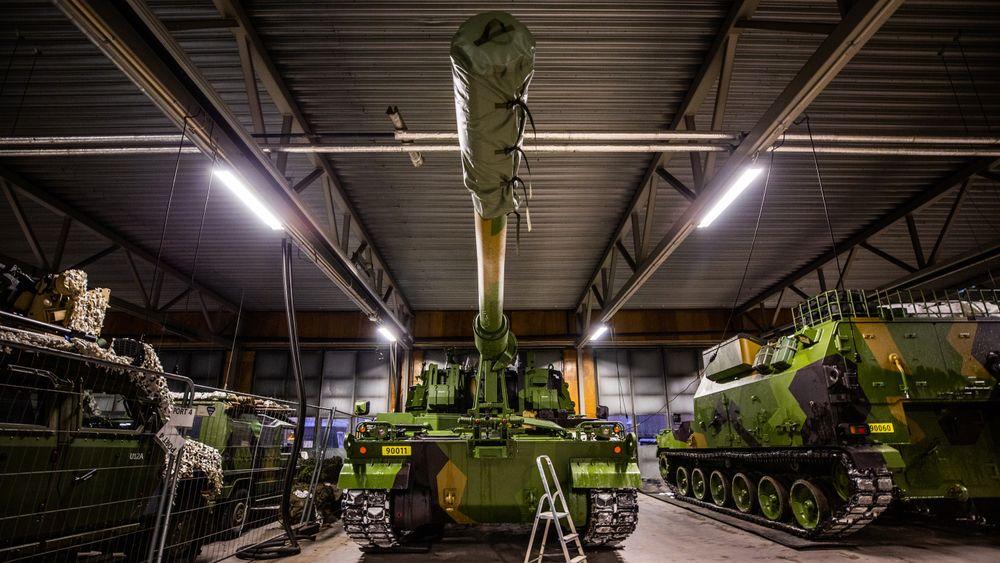 De første K9-skytsene og den første K10 ammunisjonsvogna ankom Rena i desember 2019. 10 måneder senere vil samtlige 30 vogner være levert.
