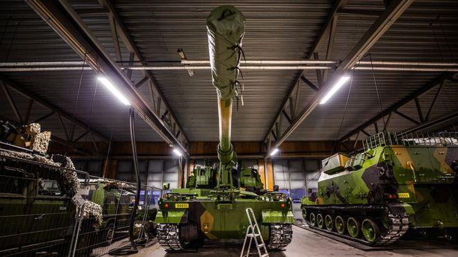 De siste skytsene skipes nå: Koreanerne mener Norge trenger enda mer artilleri