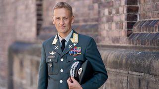 Ny forsvarssjef tar grep: Mindre ressurser til administrasjon og flere føtter på bakken
