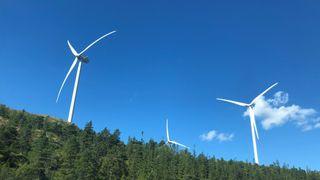 Nå er den siste av 277 vindturbiner montert på Fosen