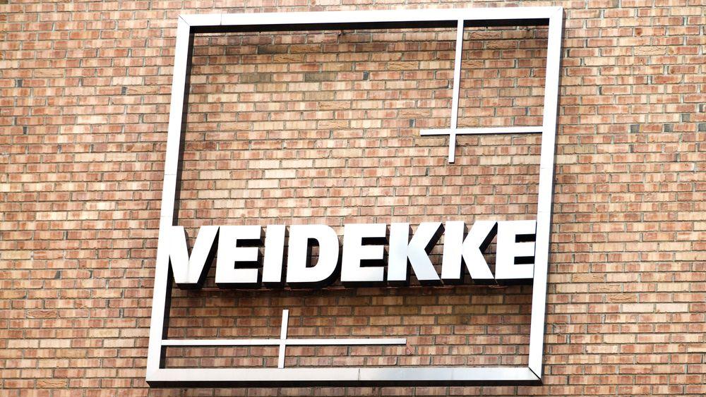 Det norske entreprenørselskapet Veidekke har ulovlig sprengt bort 500.000 tonn stein i forbindelse med byggingen av et større veiprosjekt i Sveriges hovedstad.