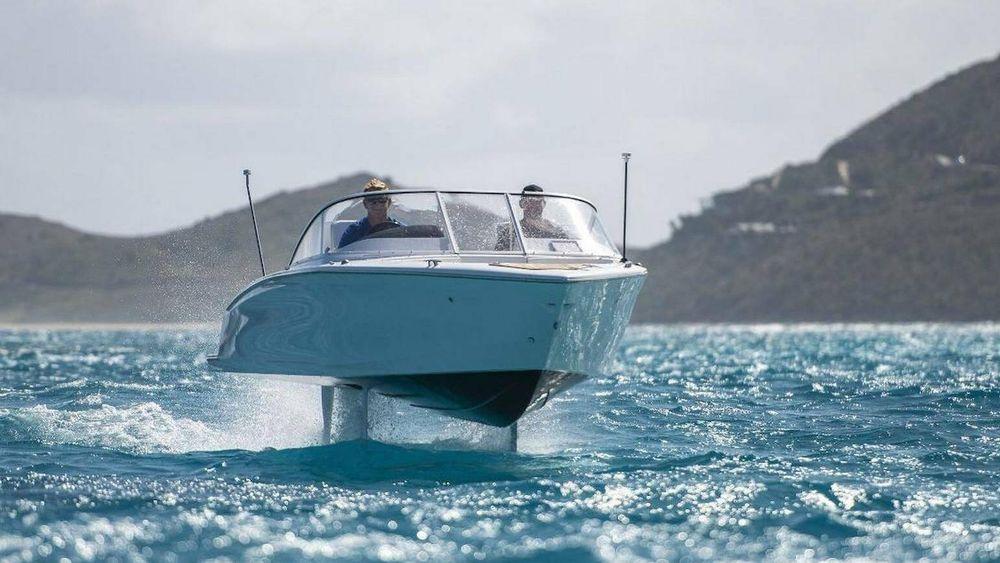 Har du millioner å svi av på elbåt? Da er Candela Seven fra Candela Speed Boat et alternativ.