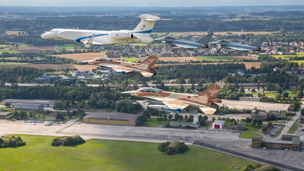 En istraelsk G550, to israelske F-16 og to tyske Eurofighter fløy i formasjon over Dachau og Fürstenfeldbruck tirsdag.