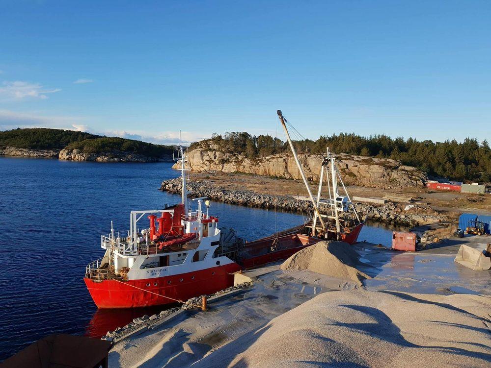 MS Straumvik ble bygget i 1965. Roslagen Shipping vil fornye flåten og kommer til å søke.