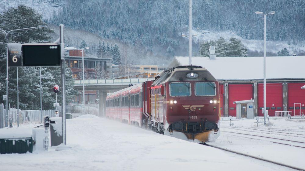 Nordlandsbanen er den lengste togstrekningen i Norge som ikke er elektrifisert. En bane i hele Nord-Norge vil bli svært lang. Kan hydrogen være den beste løsningen for å realisere prosjektet?