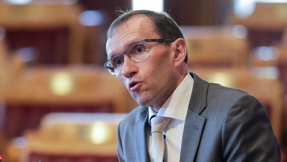 Arbeiderpartiets energi- og miljøpolitiske talsperson Espen Barth Eide vil ha full pakke på CCS i Norge.