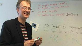 UiO-professoren prøver å lære datamaskinene meningen bak ordene