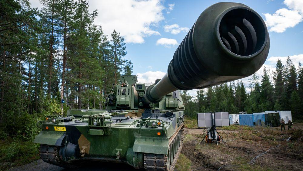 K9 artilleriskyts utenfor Elverum under test og verifikasjon, 40 km standplass, på sensommeren 2020. Nå får artilleriet en ny radarkamerat som skal bidra til måldata for motild.