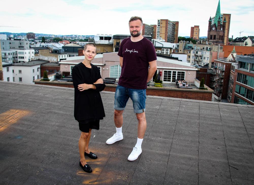 Psykolog og forfatter, Carina Carl, og programleder i Mestringspodden, Kenneth Stubhaug Karlsen