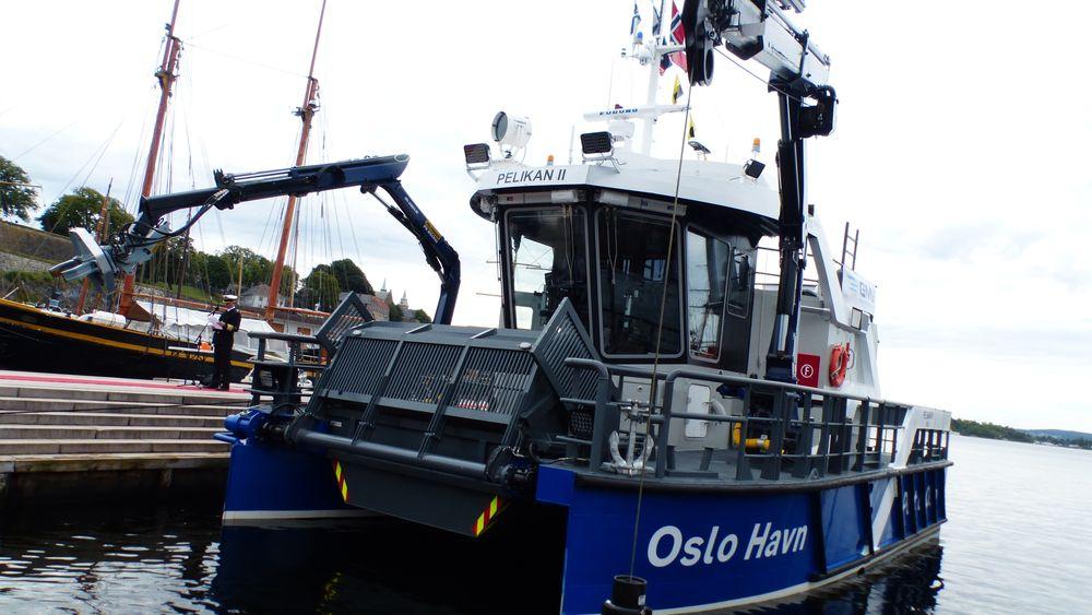 Pelikan 2 er en helelektrisk søppeloppsamlingsbåt.