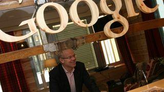 Arkivfoto av Jan Grønbech ved Googles forrige norgeskontor, den gangen de holdt til i Indekshuset på Solli plass i Oslo. Google Norge har siden flyttet til Aker Brygge.