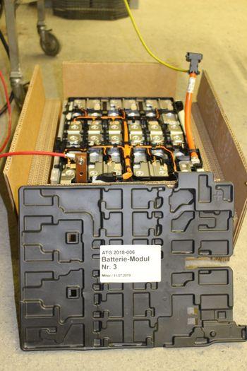 Forsøkene ble gjennomført med 4 kWh-batterimoduler.
