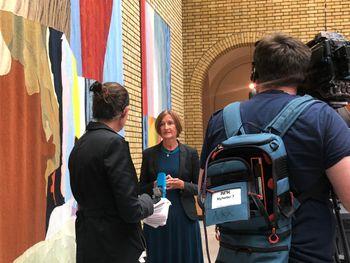 Marianne Andreassen, Stortingets direktør, orienterte et titalls fremmøtte pressefolk.