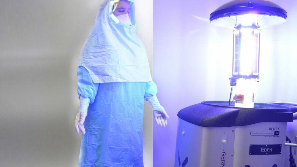 UV-lys kan være farlig for hud og øyne. Derfor kreves det beskyttelsesutstyr.