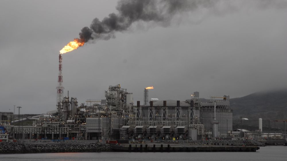 Melkøya, kalt Hammerfest LNG, slipper ut 935.000 tonn CO2 i året. Det er en betydelig andel av klimautslippene i norsk fastlandsindustri. (Bilde: Øyvind Lie)