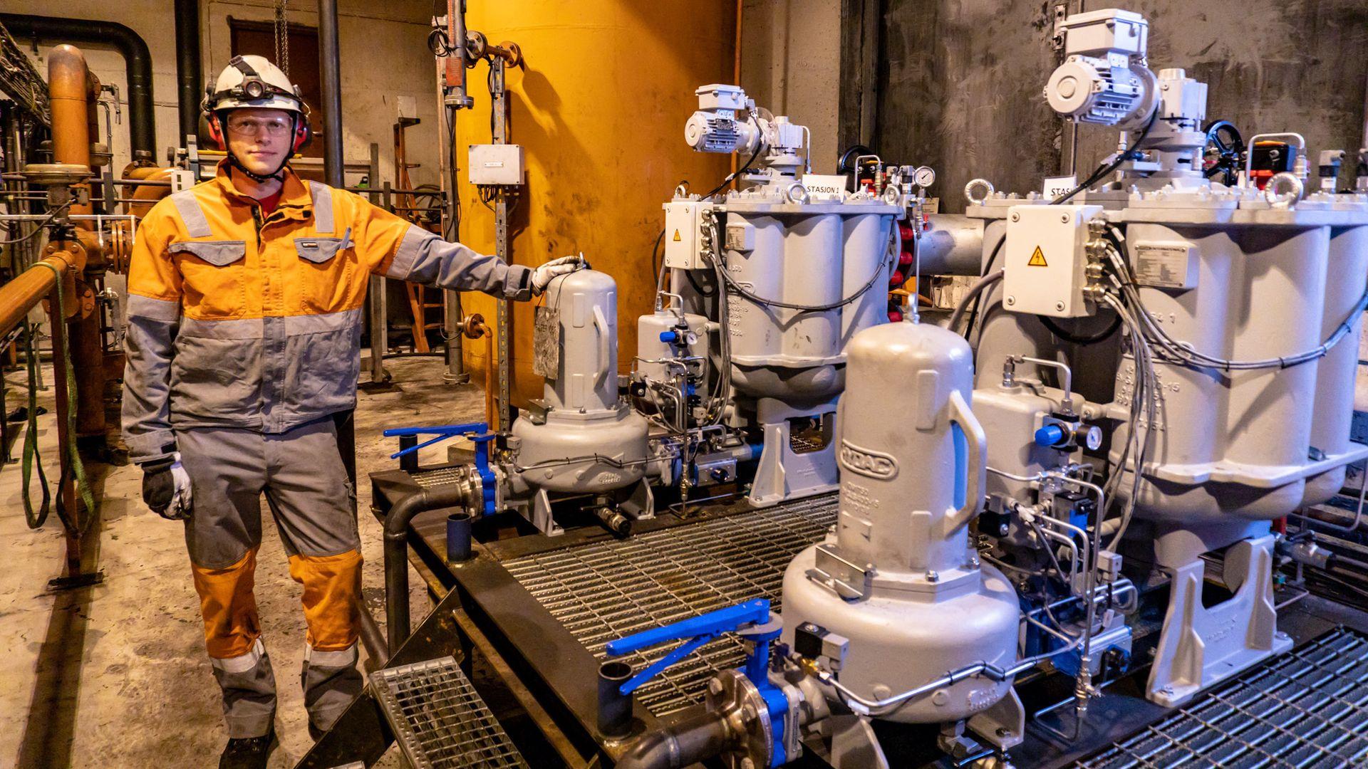 EFFEKTIVISERING: – Den nye løsningen krever mye mindre oppfølgning av operatørene, og leverer minst like god kvalitet på rengjøringa, forteller teknisk sjef Henrik Limstrand i Celsa Armeringsstål.