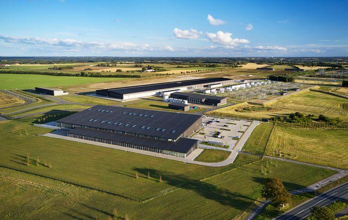 Flyfoto av Apples datasenter i Viborg, Danmark.