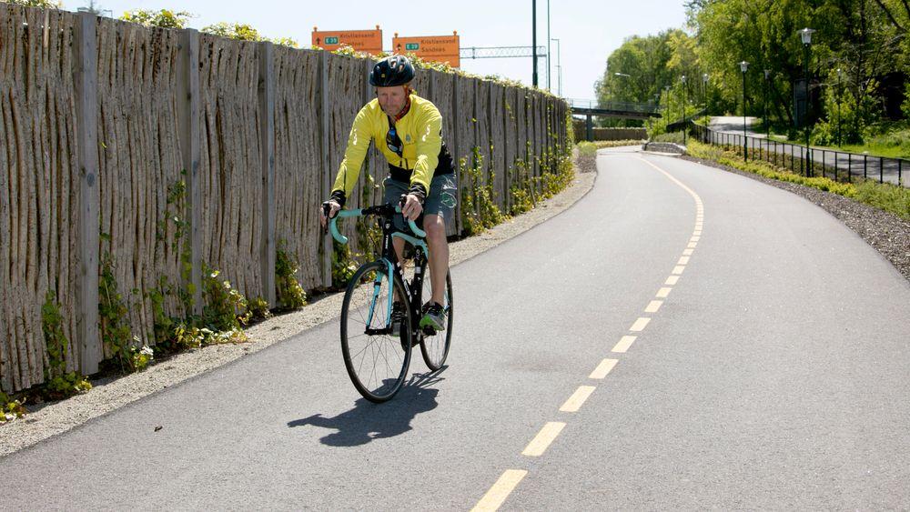 Roar Børresen tror flere vil sykle til jobb når de oppdager at Sykkelstamveien er behagelig å sykle raskt på. – Men like viktig som nye sykkelveier, er å vedlikeholde dem godt, og informere publikum om tilbudet som finnes, understreker han.