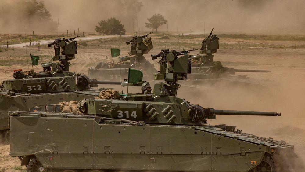 Telemark bataljon øver med sine CV9030 stormpanservogner i Polen sommeren 2019. Men de 21 oppklaringsvognene mangler fortsatt.