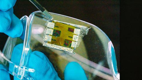 Printer solceller med blekkskriver: Så tynne at de kan legges på en såpeboble
