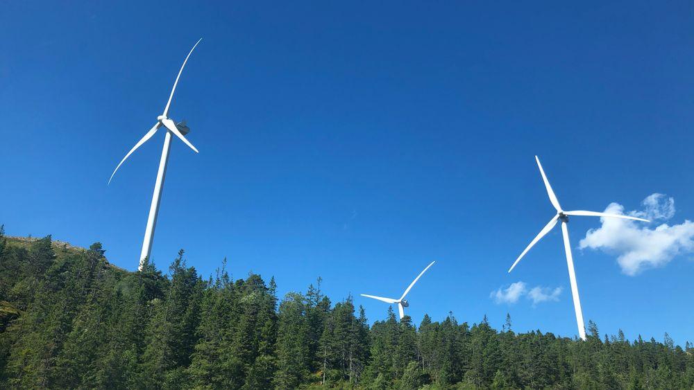 BKK har planer om to vindkraftutbygginger. Etter mye støy i sommer og høst, legges planene på is inntil videre. Illustrasjonsbilde fra Skomakerfjellet Vindpark i Roan.