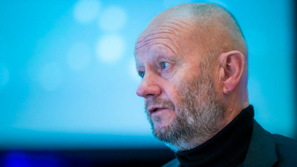 Stein Lier-Hansen, administrerende direktør i Norsk Industri, mener Norge heller bør satse på eksport av stål og aluminium produsert med vannkraft, enn eksport av strøm.