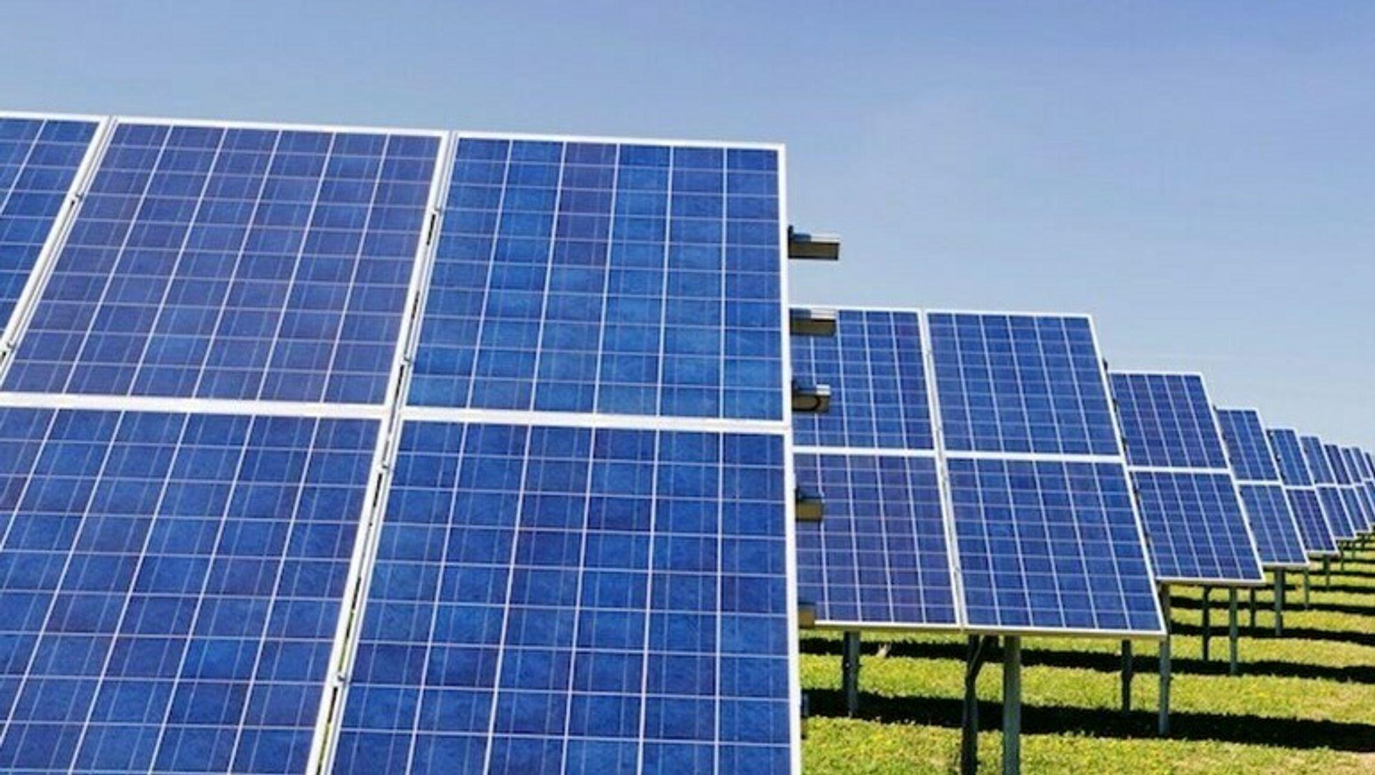 Statkraft skal bygge ut flere store solkraftanlegg i Irland.