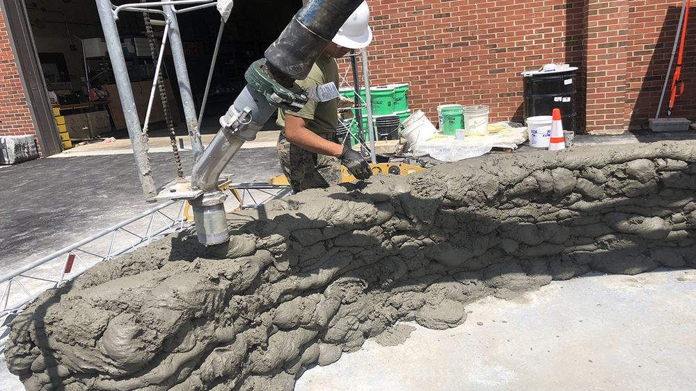 Amerikanske Marines 3D printet i 2018 en 75 m2 stor brakke. Jobben var gjort på 40 timer, som bildet tydelig viser, her stod ikke stil og design i sentum.