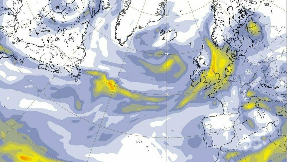 EUs satellitter for klimaovervåkning sporer røyken fra skogbrannene i USA. De finner tykk røyk over 8.000 kilometer unna. Varslingen viser at til helgen når røyken Norge.