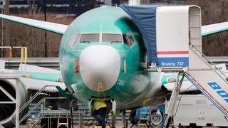 Knusende kongressrapport etter de to flyulykkene med Boeing 737 Max: – Gamblet med sikkerheten