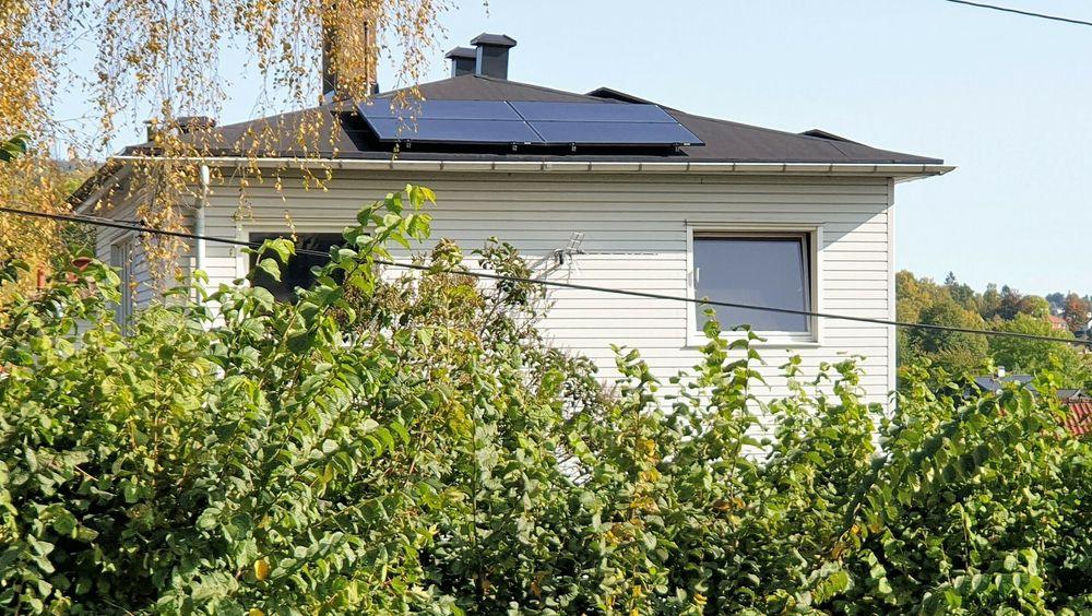 Langt færre enn i fjor setter opp solceller på taket. Fra nyttår reduseres støtten.