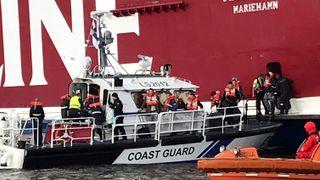 Den grunnstøtte Viking Line-ferja er evakuert