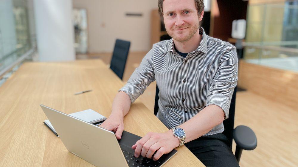Bård Egil Eilertsen har allerede avansert internt. Nå er han gruppeleder for teknologi i Smart Media, samme stilling som han hadde i Kongsberg Maritime, men nå med et helt annet faglig nivå innen elektronikk.