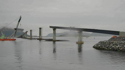 Norgesrekord bit for bit: I dag løftes den femte delen av Lepsøybrua på plass