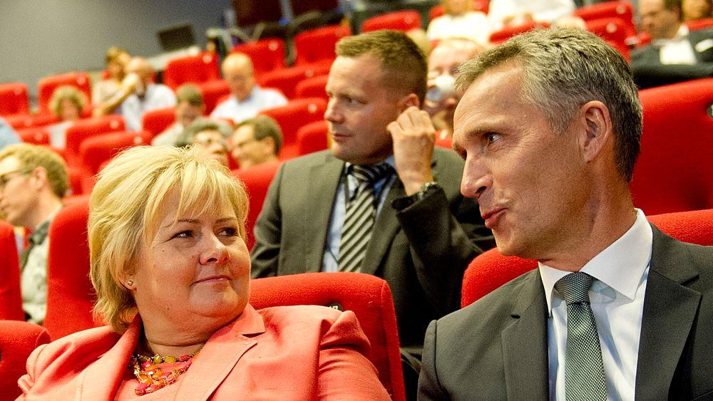 Daværende statsminister Jens Stoltenberg (Ap) satte en stopper for fullskalaprosjektet på Mongstad. Sju år og én dag senere ga dagens statsminister Erna Solberg (H) grønt lys for å prøve på nytt, denne gang ved Norcem i Grenland.
