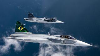 Første Saab F-39E Gripen har seilt til Brasil