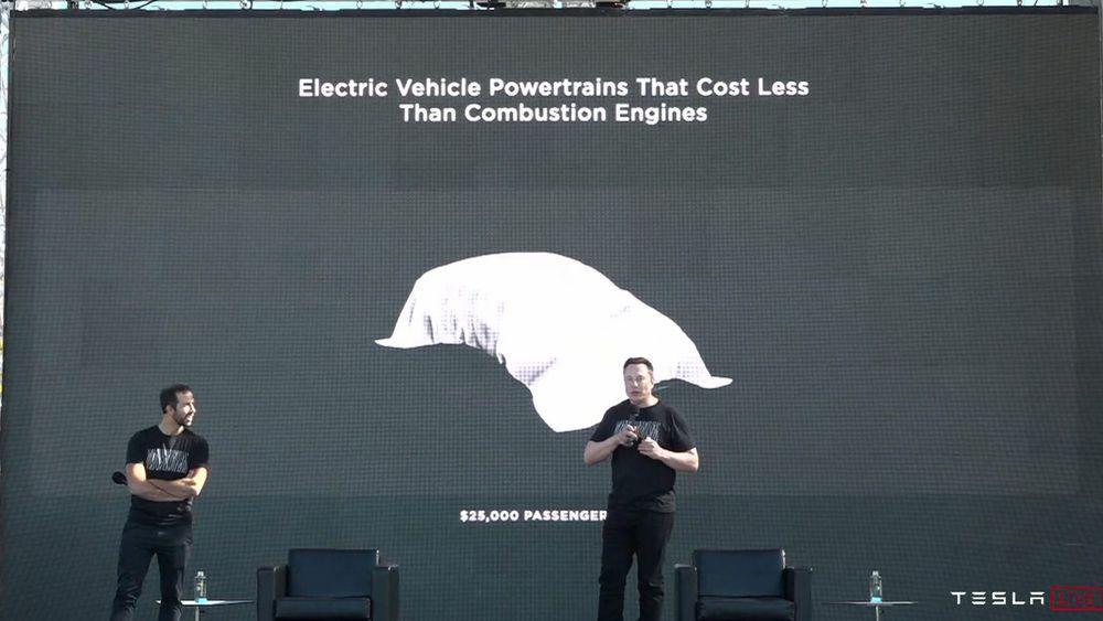 Tesla planlegger en billigere bil om omtrent tre år.