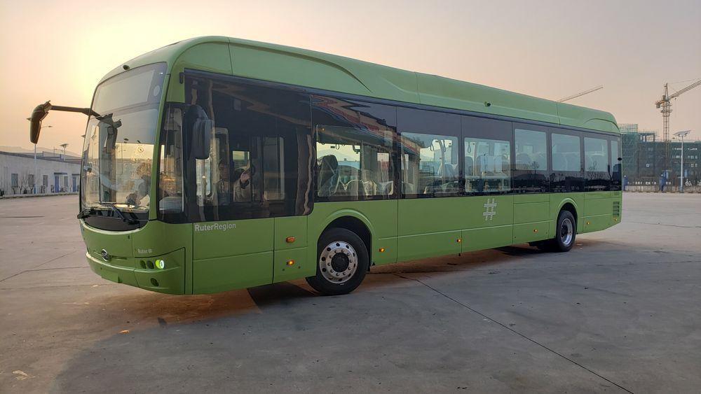 I sommer ankom 18 elbusser Asker. På grunn av ladeproblemer er de fremdeles ikke tatt i bruk.