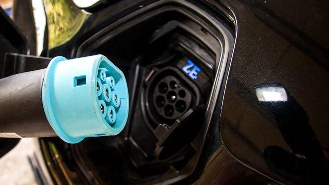 Lovfester rett til å sette opp elbil-lader hjemme