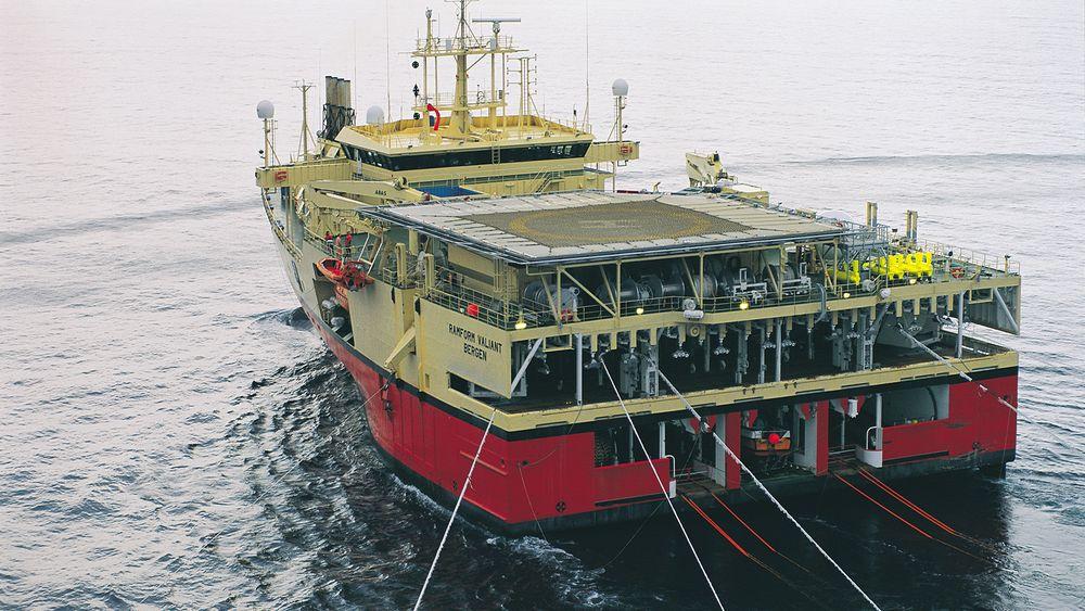 Seismiske lyttekabler er kabler med sensorer som taues etter spesialiserte skip for å kartlegge geologien under havet. Nå skal de gjenvinnes.