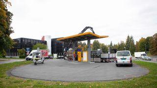Nå rives hydrogenstasjonen som eksploderte – Kommer ikke til å bygge ny stasjon på Kjørbo