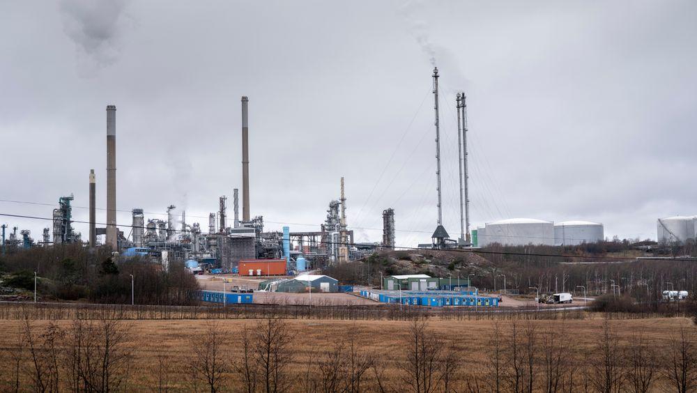 Preem har ønsket å bygge ut raffineriet i Lysekil, men etter mye motstand legges planen nå på is.