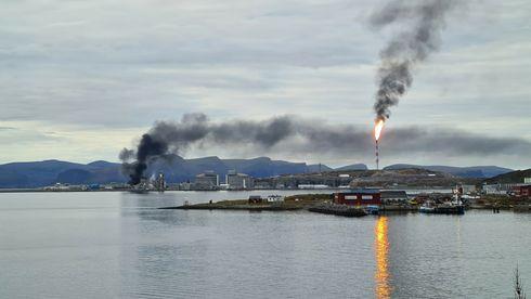 Det brenner i Equinors produksjonsanlegg på Melkøya – politiet innfører flyforbud