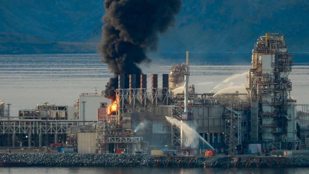 Det brøt mandag ettermiddag ut brann i produksjonsanleggene på Melkøya utenfor Hammerfest.