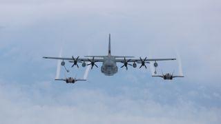 F-35B styrtet etter å ha kollidert med Hercules-tankfly i lufta