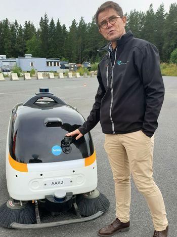 Applied Autonomy tester selvkjørende børstemaskin sammen med Statens Vegvesen på Kongsberg - Olav Madland - Sintef - NTNU - autonom feiemaskin