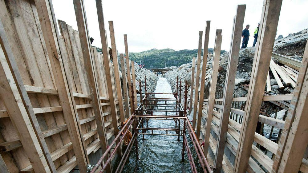 Bildet er fra utbyggingen av damanlegget til Jøssang og Dalen kraftverk i 2009. Jøssang ble satt i drift året etter. – Det er ikke sikkert vi hadde tatt samme beslutning i dag, sierkonserndirektør Eimund Nygaard i Lyse.
