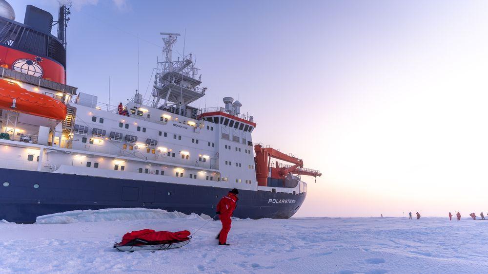 Forskningsskipet Polarstern på Mosaic-toktet som startet i Tromsø for over ett år siden, og som nå avsluttes ved ankomst Bremerhafen mandag.
