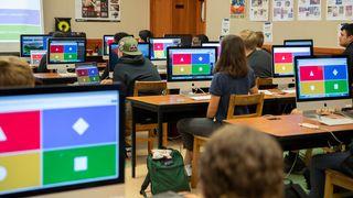 Kahoot-quiz i et klasserom.