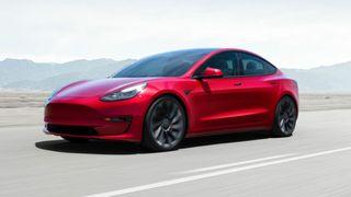 Model 3 får lavere pris og enkelte designendringer.